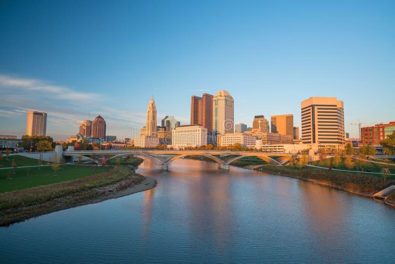 Sikt av i stadens centrum Columbus Ohio royaltyfri bild
