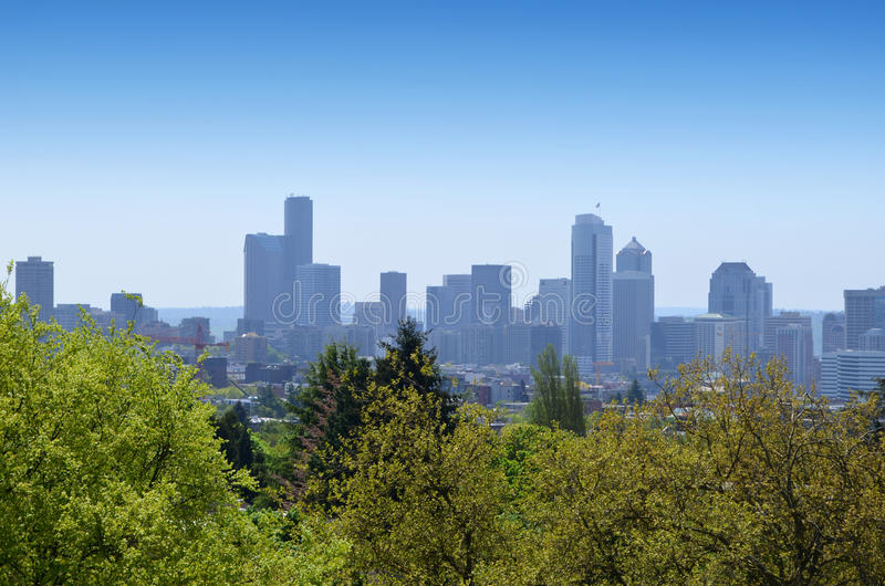 Sikt av i stadens centrum Seattle arkivfoton