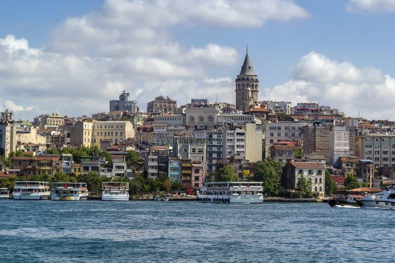 Sikt av Istanbul Beyoglu område royaltyfri bild