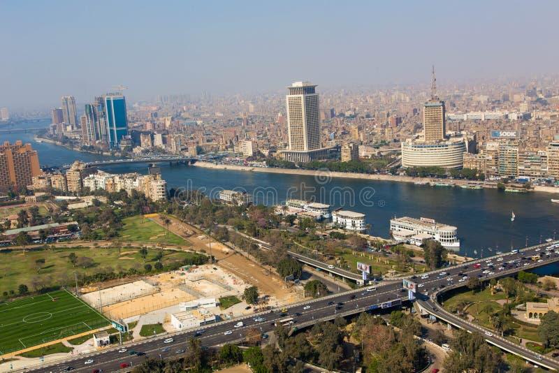Sikt av Kairo och Nile River arkivbilder