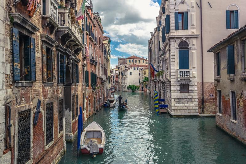 Sikt av kanalen i Venedig arkivfoton