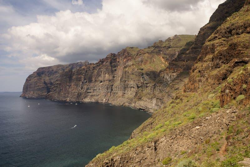 Sikt av klippor för Los Gigantes. Tenerife kanariefågelöar, Spanien royaltyfri bild