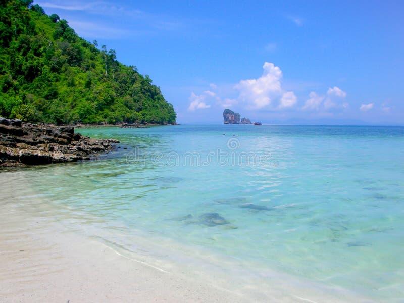 Sikt av Koh Kai, feg ö, Andaman hav, Thailand royaltyfria foton