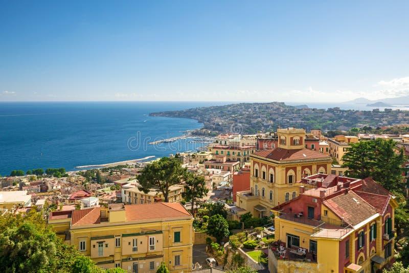 Sikt av kusten av Naples, Italien royaltyfria foton