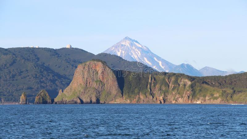 Sikt av kustlinjen av den Kamchatka halvön, Ryssland arkivbilder