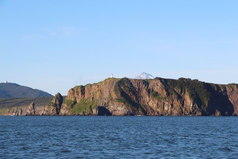 Sikt av kustlinjen av den Kamchatka halvön, Ryssland arkivbild