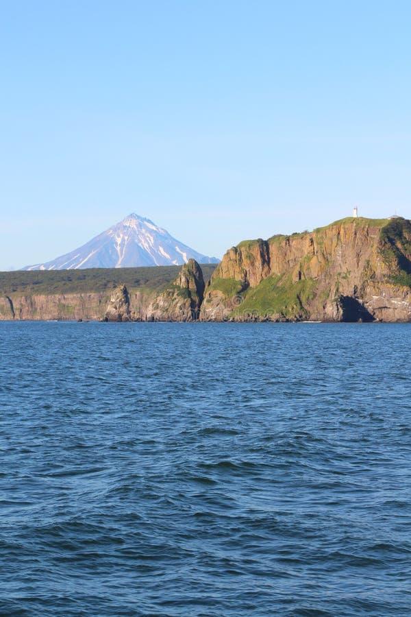 Sikt av kustlinjen av den Kamchatka halvön, Ryssland arkivfoton