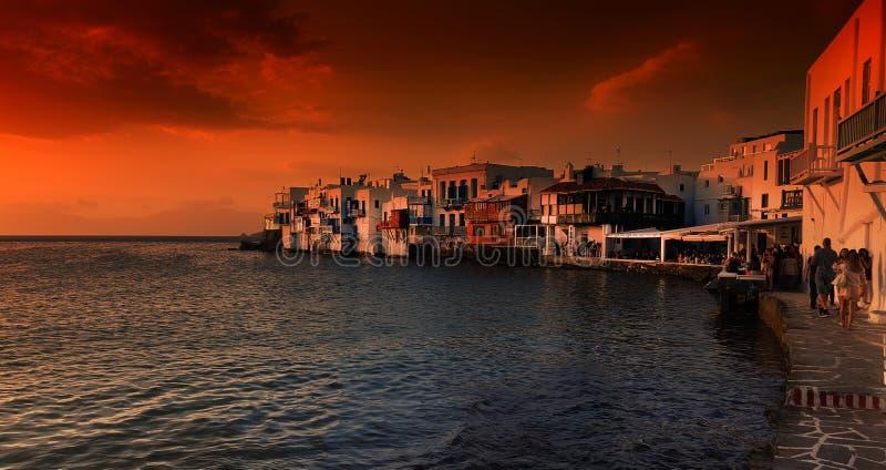 Sikt av lilla Venedig på solnedgången på den Mykonos ön, i Grekland royaltyfria foton