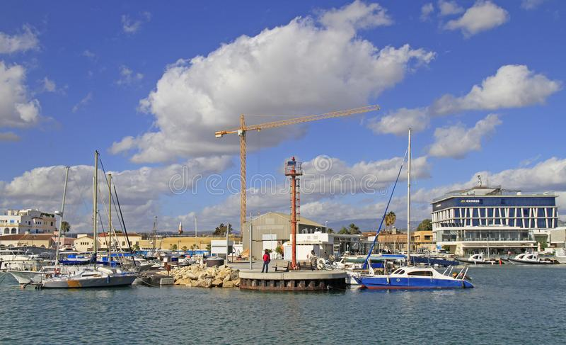 Sikt av Limassol den gamla porten royaltyfri foto