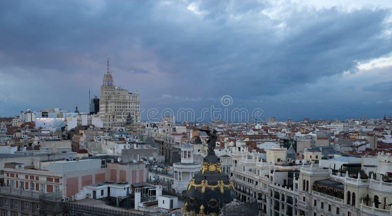 Sikt av Madrid från circulo de bellas artes arkivbild