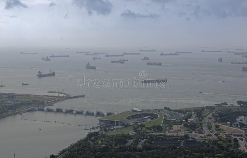 Sikt av Marina Barrage från observationsdäcket av hoten fotografering för bildbyråer