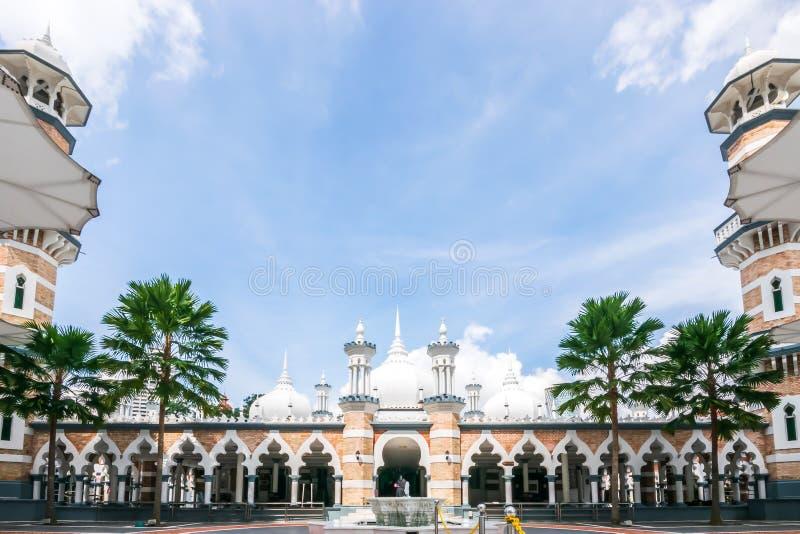 Sikt av Masjid Jamek Sultan Adul Samad Mosque efter 1907 i Kuala Lumpur arkivfoton