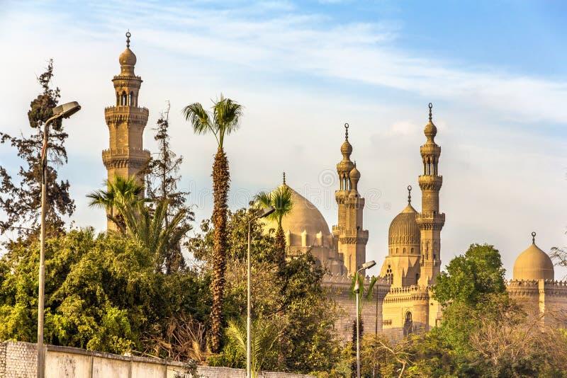 Sikt av moskéerna av Sultan Hassan och al-Rifai i Kairo - Egy arkivfoto