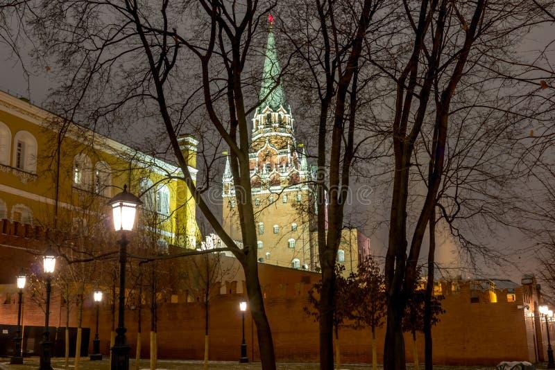 Sikt av Moskva, MoskvaKreml och den Alexander trädgården, royaltyfria foton