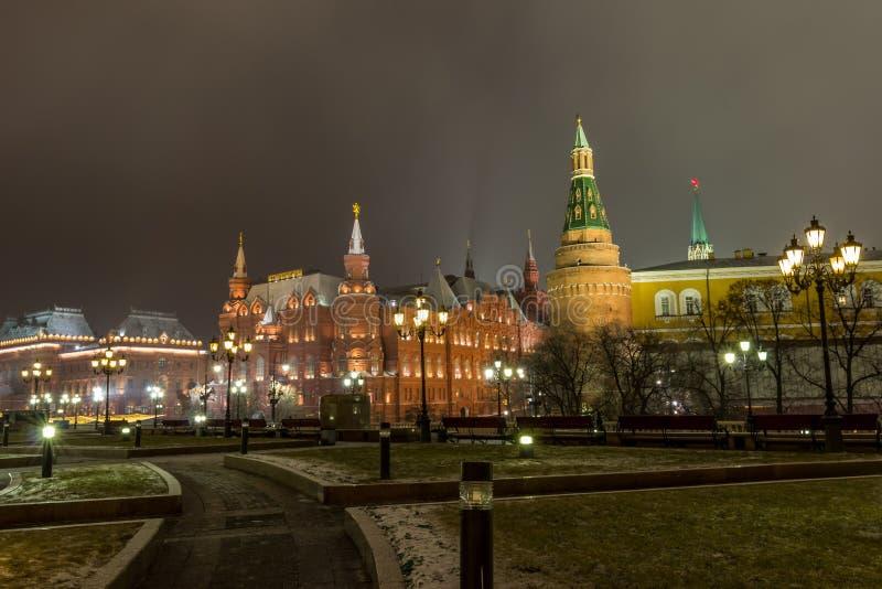 Sikt av Moskva, MoskvaKreml och den Alexander trädgården, fotografering för bildbyråer