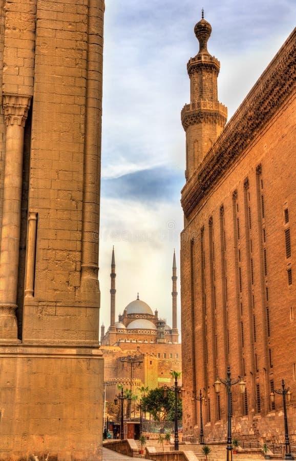 Sikt av Muhammad Ali Mosque mellan moskéerna av Sultan Ha royaltyfria foton