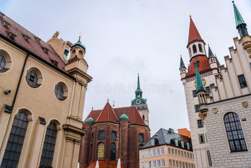 Sikt av Munchen, Marienplatz arkivfoton