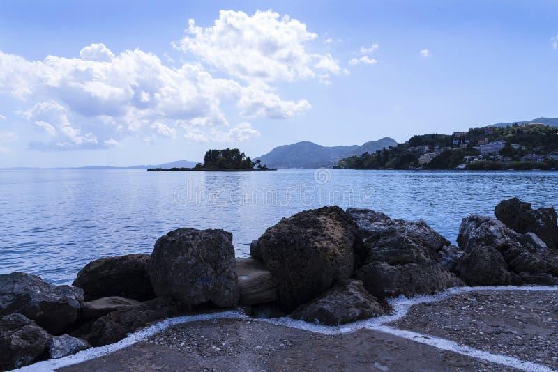 Sikt av musön på den grekiska ön av Korfu arkivfoto