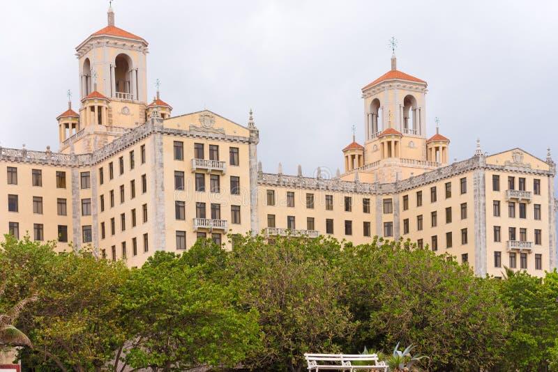 Sikt av Nacionalen de Kuba Hotell, havannacigarr kopiera avstånd arkivbilder