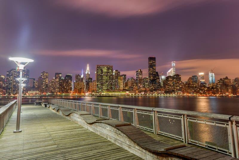 Sikt av New York City från Queens fotografering för bildbyråer