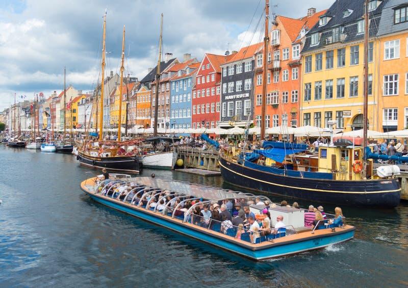 Sikt av Nyhavn i Köpenhamnen, Danmark arkivfoto