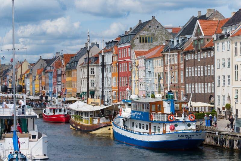 Sikt av Nyhavn i Köpenhamnen, Danmark royaltyfria foton