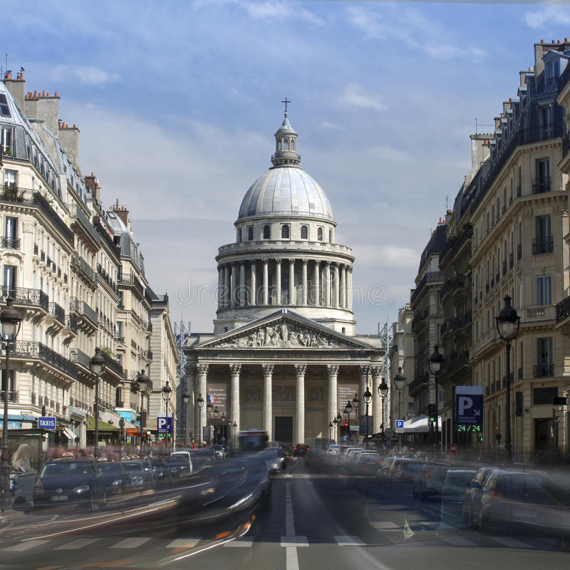 Sikt av panteon i Paris royaltyfri foto