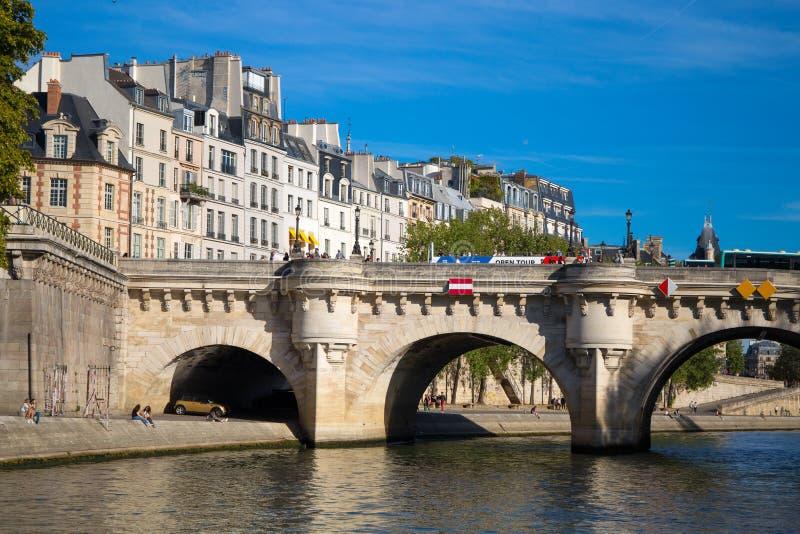 Sikt av Pont Neuf, Ile de la Citera, Paris, Frankrike fotografering för bildbyråer