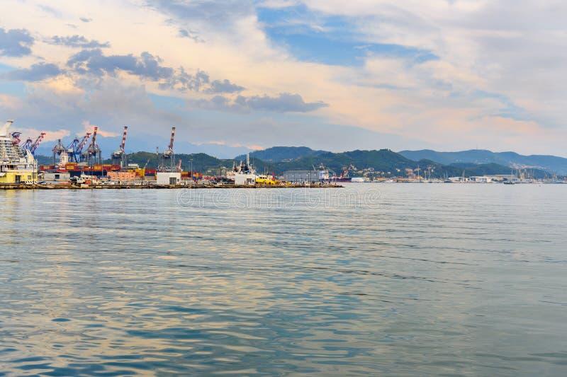 Sikt av port i La Spezia, Italien royaltyfria foton