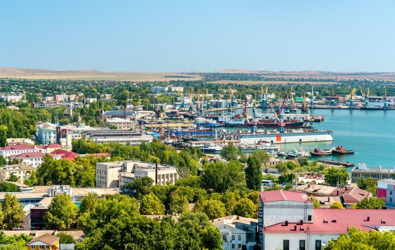 Sikt av port av Kerch i Krim royaltyfri foto