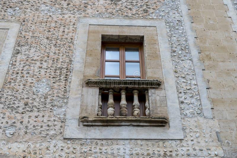Sikt av Puerto Pollensa i Balearicen Island, Spanien, gammal ston arkivbilder