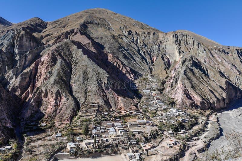 Sikt av Quebradaen de la Humahuaca i Iruya, Argentina royaltyfria bilder