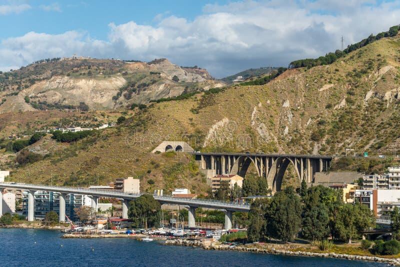 Sikt av Reggio Di Calabria - södra Italien fotografering för bildbyråer