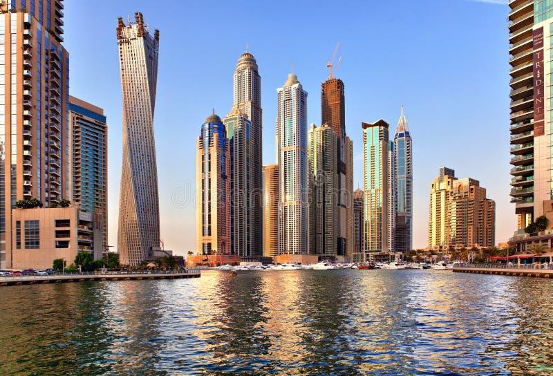 Sikt av regionen av Dubai - den Dubai marina royaltyfria foton