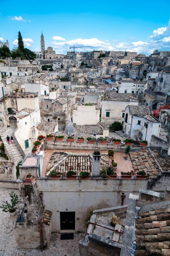 Sikt av Sassi di Matera från piazza Vittorio Veneto royaltyfri foto