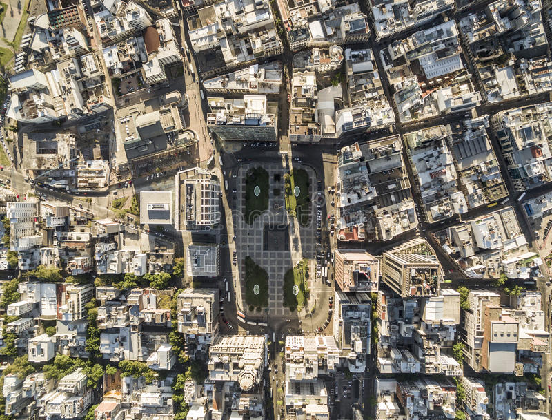 Sikt av självständighetfyrkanten från över, Montevideo, Uruguay royaltyfri foto