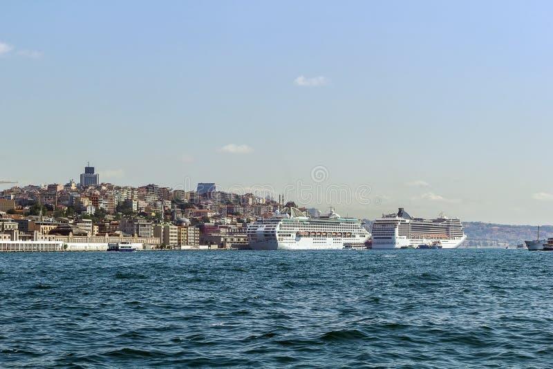 Sikt av skeppen, Istanbul arkivfoton