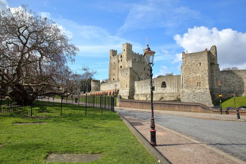 Sikt av slotten i Rochester arkivbilder