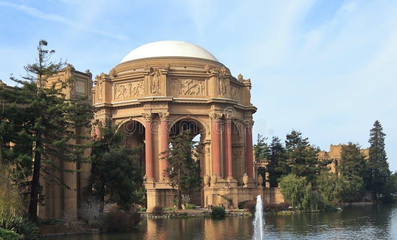 Sikt av slotten av konster i San Francisco, Kalifornien arkivfoto