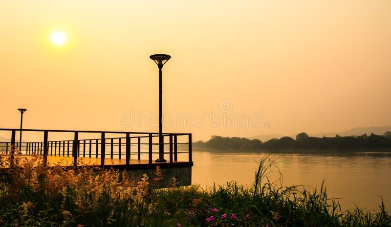Sikt av solnedgången royaltyfri bild