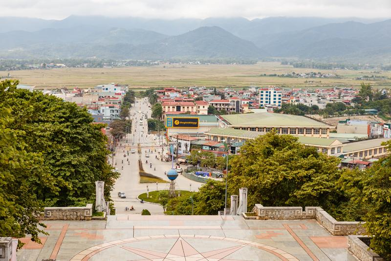 Sikt av staden av Dien Bien Phu arkivfoton