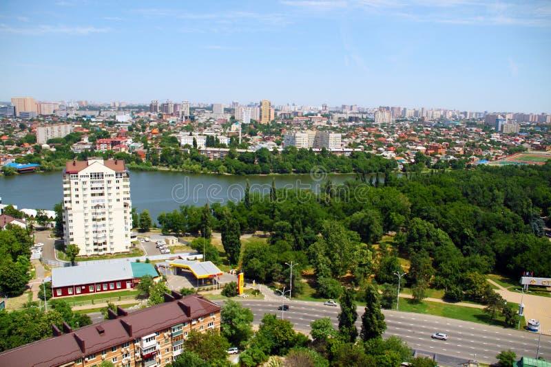 Sikt av staden av Krasnodar arkivfoto