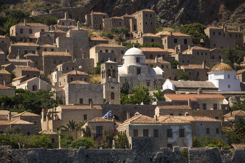 Sikt av stenhus på den medeltida fästningen royaltyfria bilder