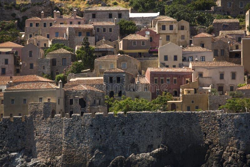 Sikt av stenhus på den medeltida fästningen arkivbild