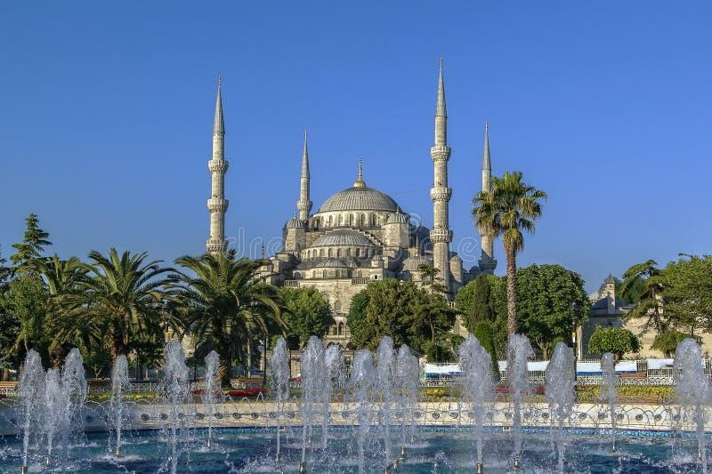 Sikt av Sultan Ahmed Mosque, Istanbul royaltyfria foton