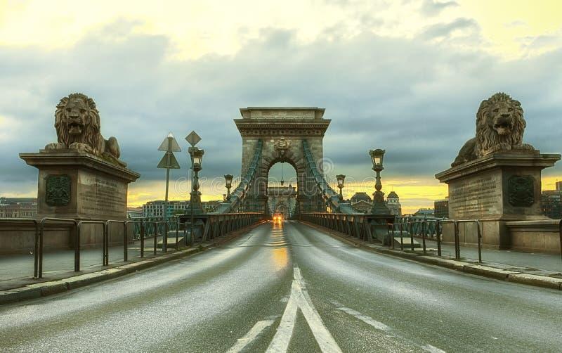 Sikt av Szechenyi den Chain bron arkivfoton