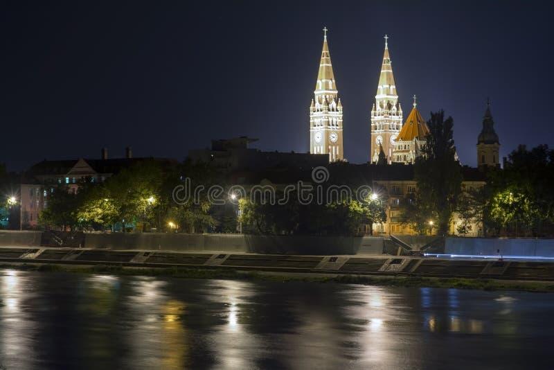 Sikt av Szeged på nigth royaltyfria foton