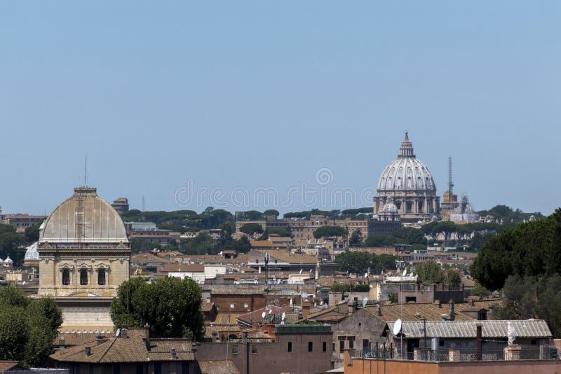 Sikt av tak av Rome arkivbilder