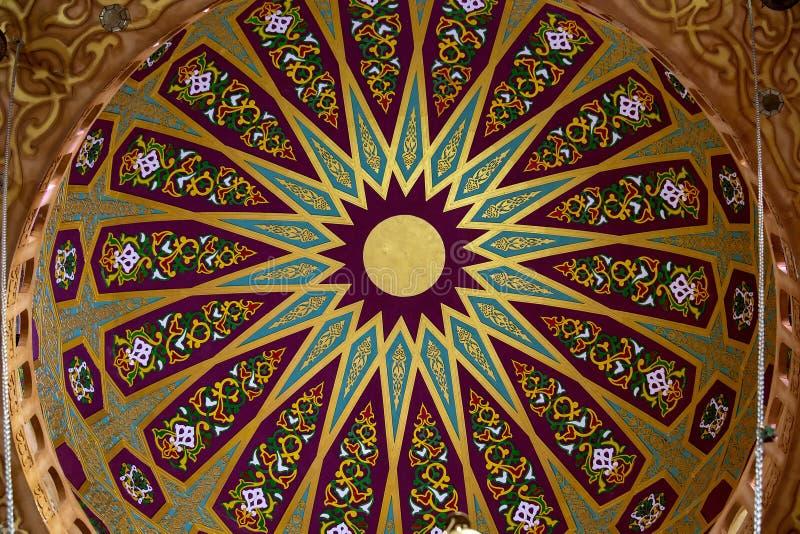 Sikt av taket och garneringar av moskékupolen i Sharm el Sheikh, södra Sinai, Egypten royaltyfri bild