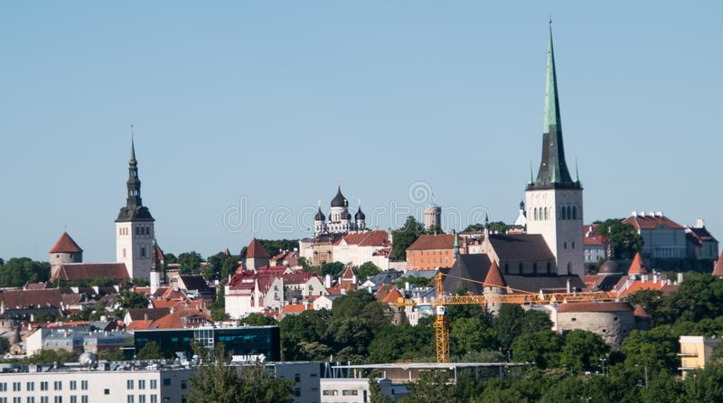 Sikt av Tallinn Estland från Östersjön arkivfoton